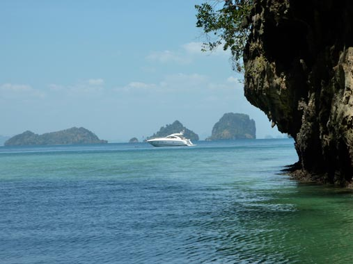 Yacht Charters in Phuket and Thailand Beach Resorts