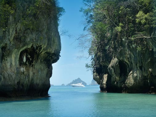 Yacht Charters in Phuket and Thailand Resort
